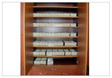 看大圖:完善的醫療設備-藥物櫃(另開新視窗)