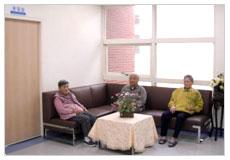 看大圖:15病房-溫馨交誼廳(另開新視窗)