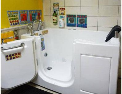 看大圖:紓壓SPA室(無障礙按摩浴缸)(另開新視窗)